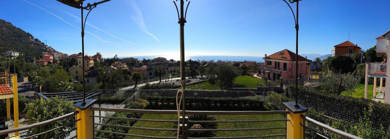 Appartamento in vendita a Borgio Verezzi, 4 locali, Trattative riservate | Cambio Casa.it