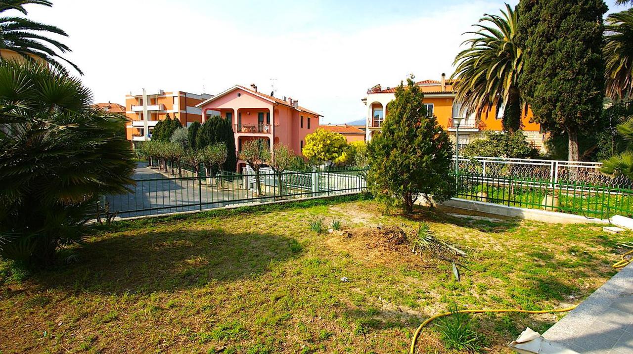 Appartamento in vendita a Borgio Verezzi, 4 locali, prezzo € 380.000 | Cambio Casa.it