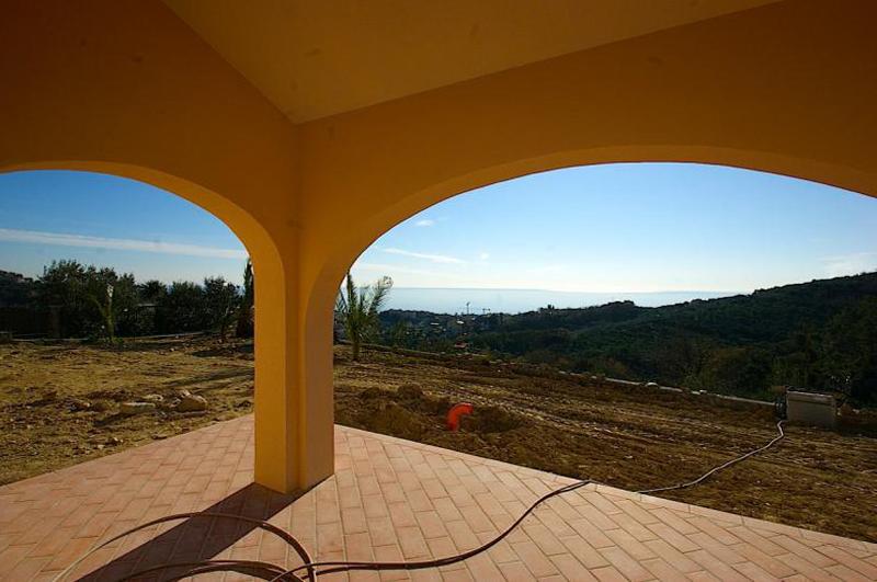 Villa in vendita a Pietra Ligure, 6 locali, prezzo € 1.300.000 | Cambio Casa.it