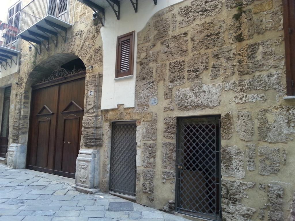 Bilocale Palermo Via Dei Biscottari 1