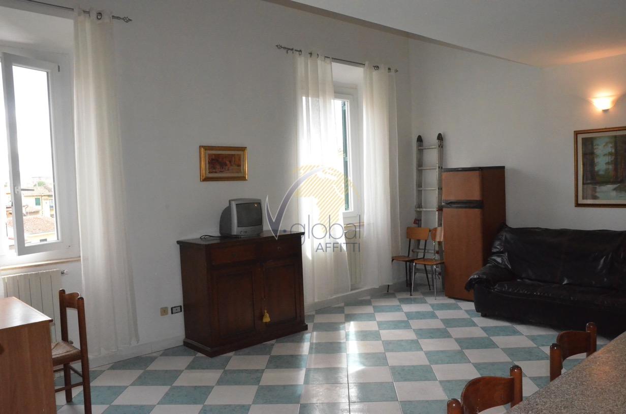 Bilocale Livorno Via Cesare Battisti 4