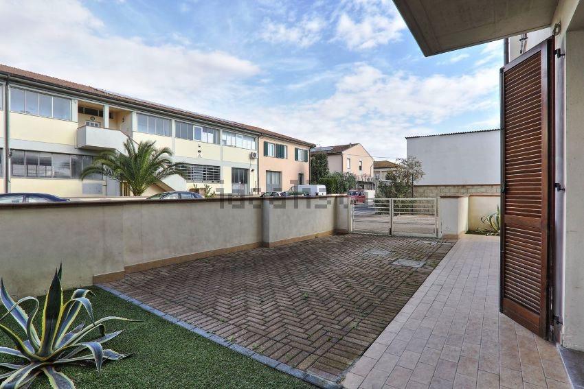 Appartamento in affitto a Ponsacco, 4 locali, zona Zona: Camugliano, prezzo € 700 | Cambio Casa.it