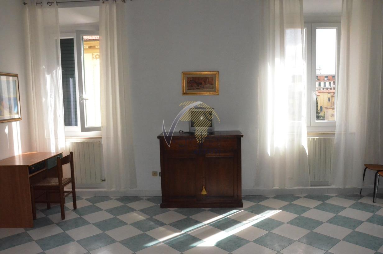 Bilocale Livorno Via Cesare Battisti 2