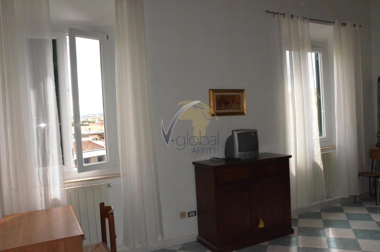 Bilocale Livorno Via Cesare Battisti 8