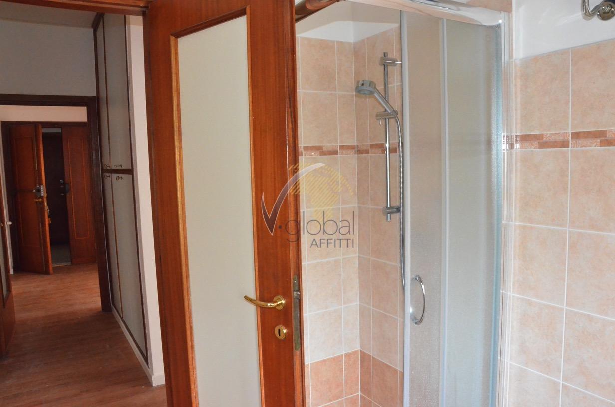 Appartamento in affitto a Livorno, 4 locali, zona Località: Centroresidenziale, prezzo € 600 | Cambio Casa.it