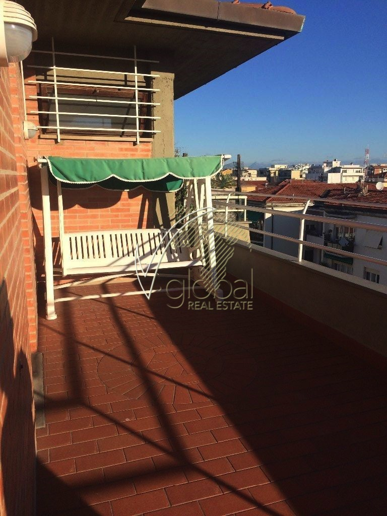 Appartamento in vendita a Livorno, 4 locali, zona Località: Periferiasud, prezzo € 215.000 | Cambio Casa.it