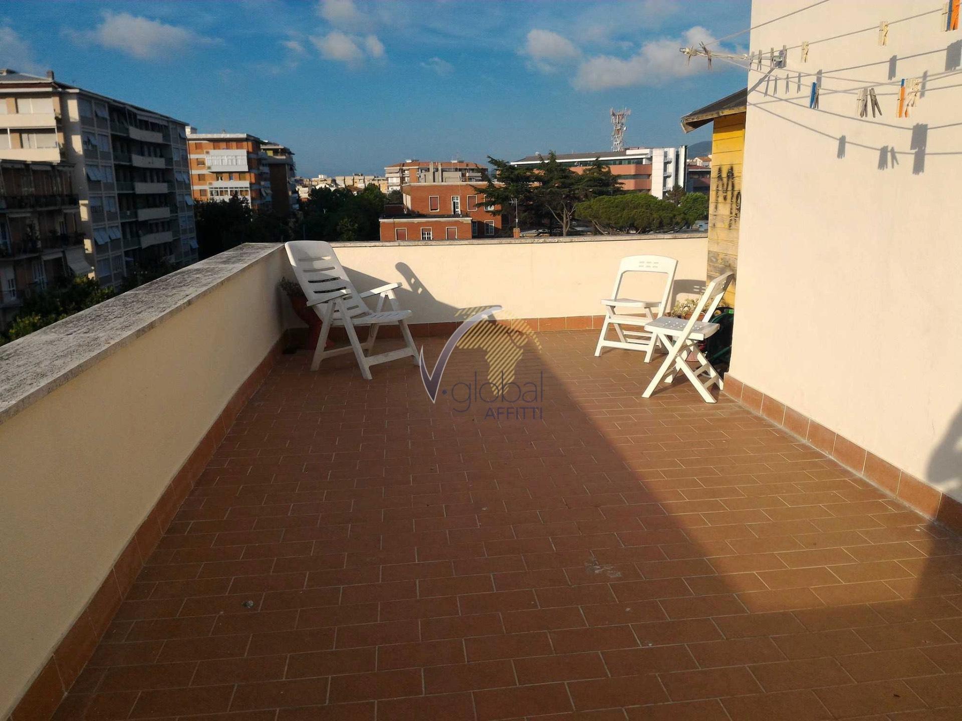 Attico / Mansarda in affitto a Livorno, 2 locali, zona Località: Centroresidenziale, prezzo € 450 | CambioCasa.it