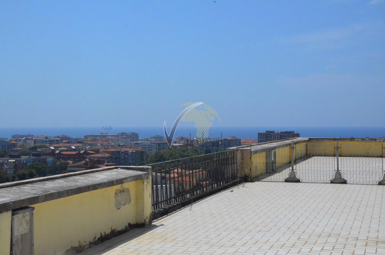 Attico / Mansarda in affitto a Livorno, 4 locali, zona Zona: Centro, prezzo € 600 | CambioCasa.it