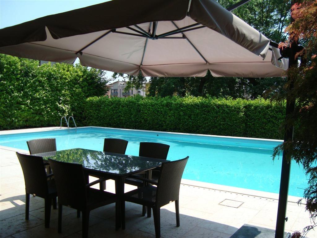Villa in vendita a Castel Mella, 5 locali, prezzo € 620.000 | CambioCasa.it