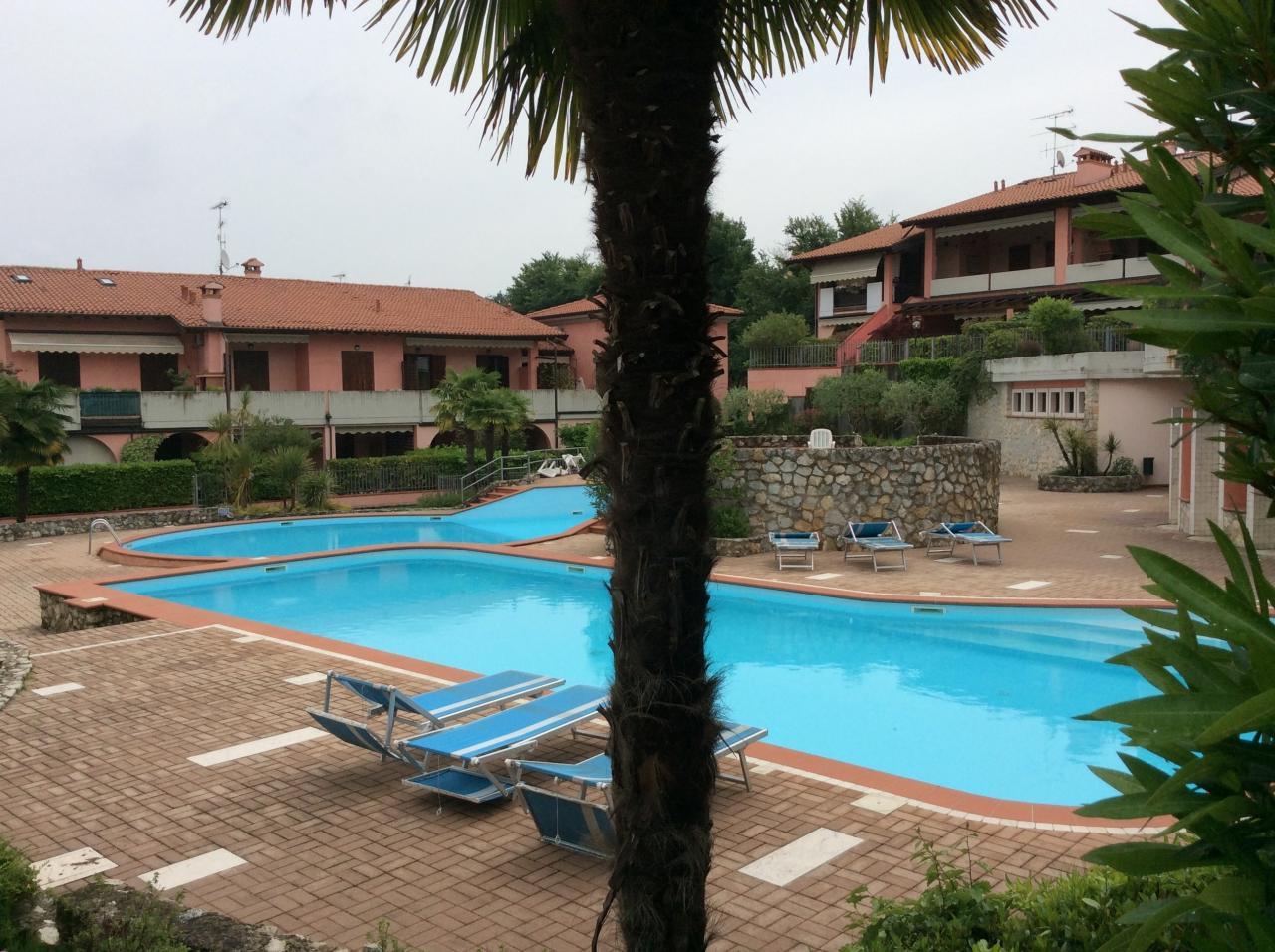 Appartamento in vendita a Manerba del Garda, 5 locali, zona Zona: Pieve, prezzo € 350.000 | CambioCasa.it