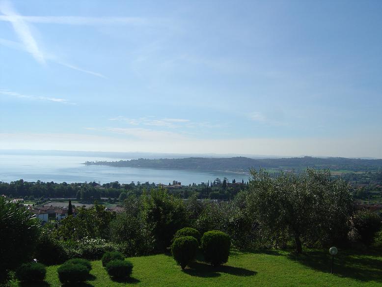 Villa in vendita a Padenghe sul Garda, 5 locali, zona Località: *VISTALAGO*, Trattative riservate | CambioCasa.it