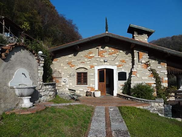 Villa in Vendita a Gussago