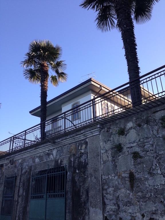 Villa in affitto a Desenzano del Garda, 5 locali, zona Località: *CENTRO*, Trattative riservate | CambioCasa.it