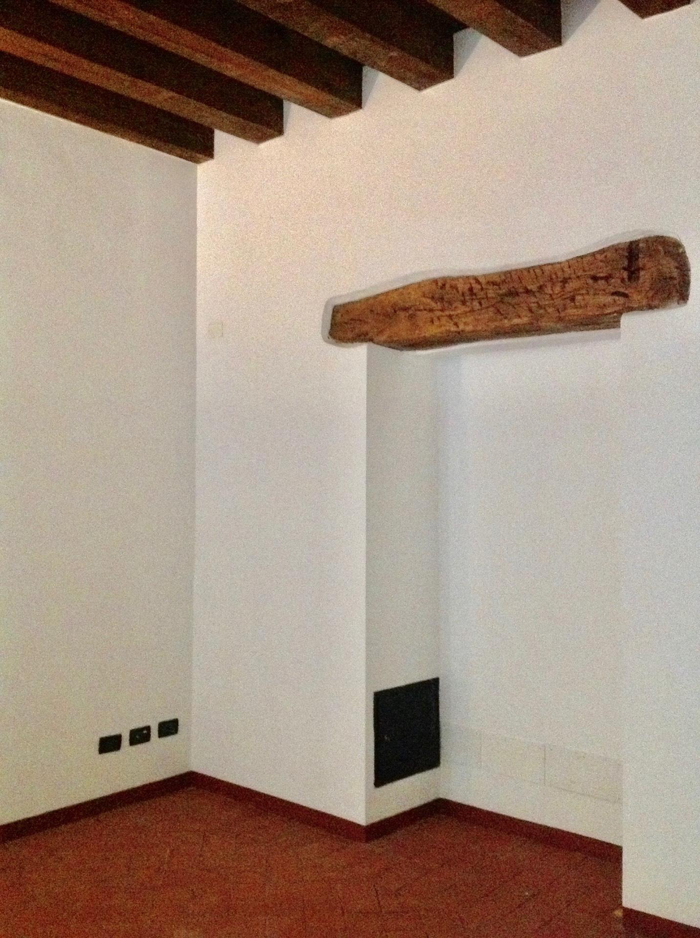 Negozio / Locale in affitto a Brescia, 9999 locali, zona Località: 1-CENTROSTORICO, prezzo € 700 | CambioCasa.it