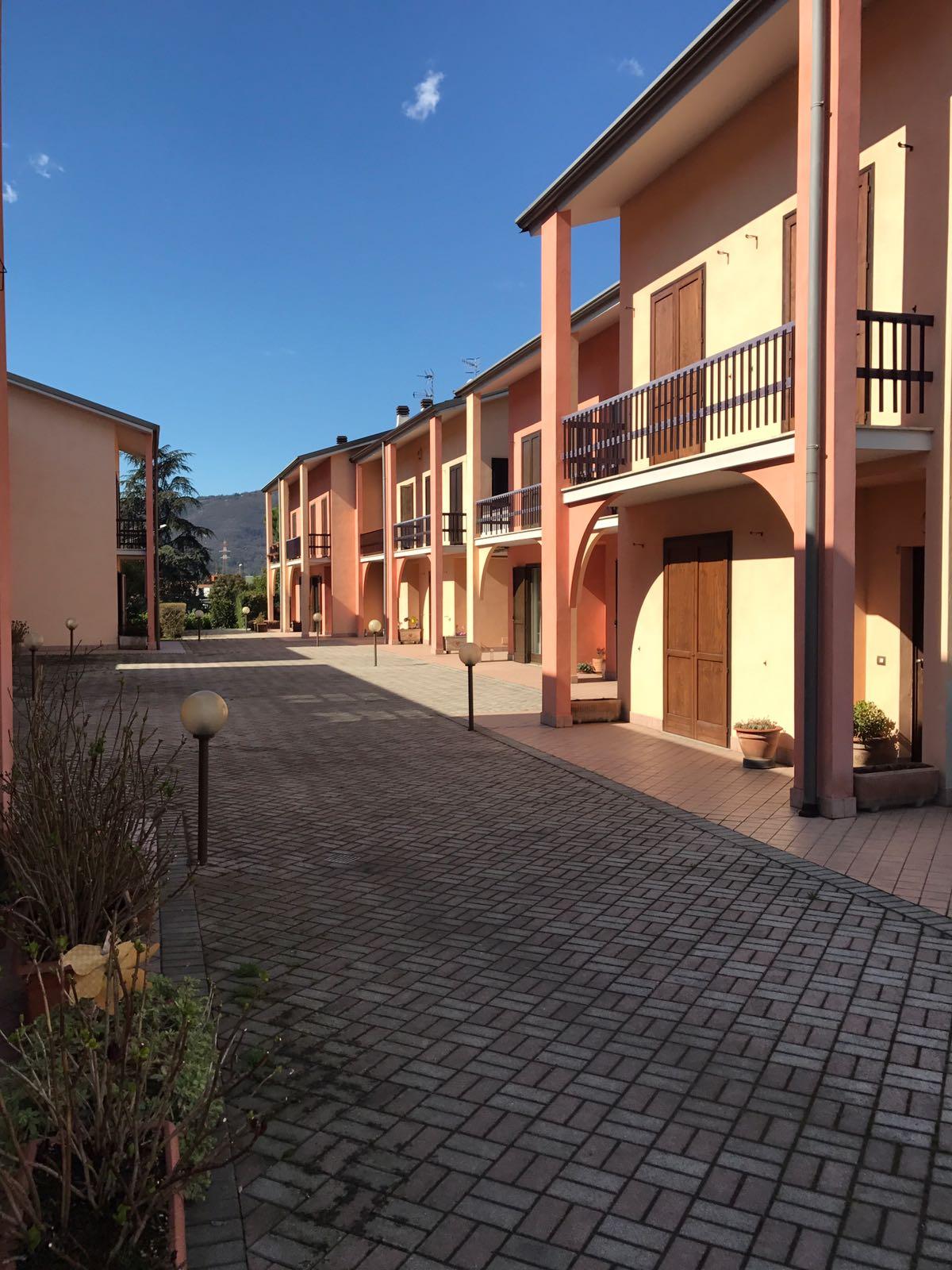 Villa a Schiera in Vendita a Concesio