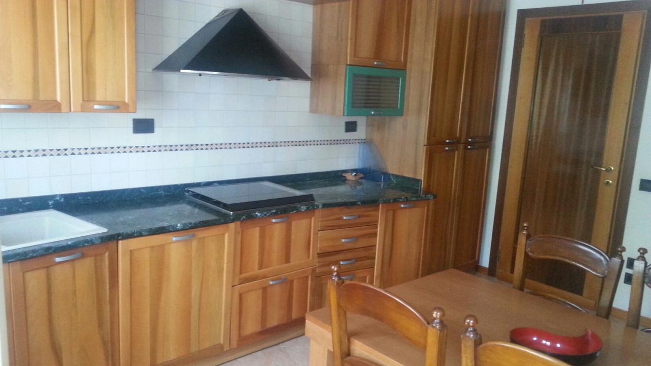 Appartamento in affitto a Carbonera, 5 locali, zona Zona: Biban, prezzo € 600 | CambioCasa.it