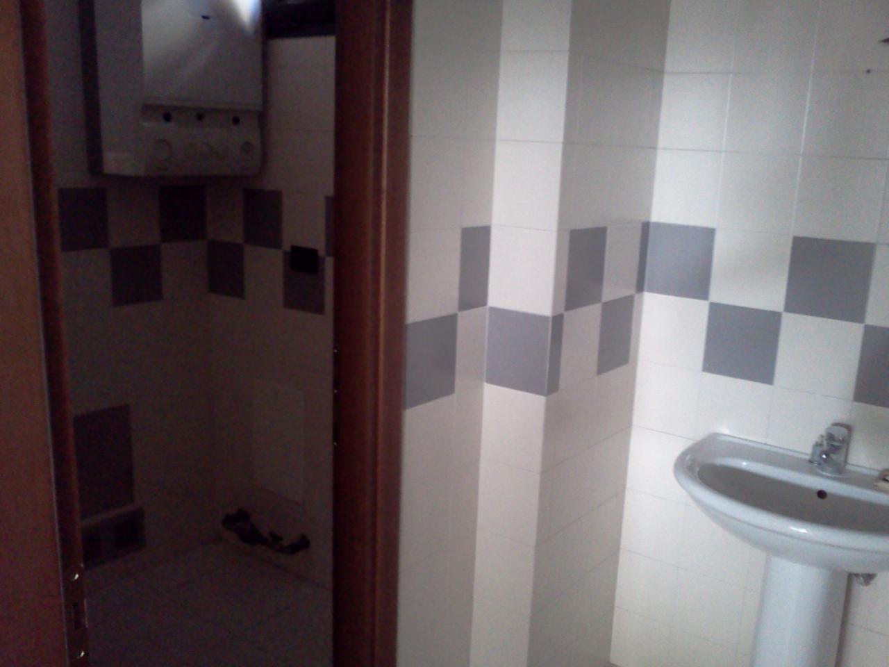 Negozio / Locale in affitto a Villorba, 9999 locali, zona Zona: Fontane, prezzo € 450 | CambioCasa.it
