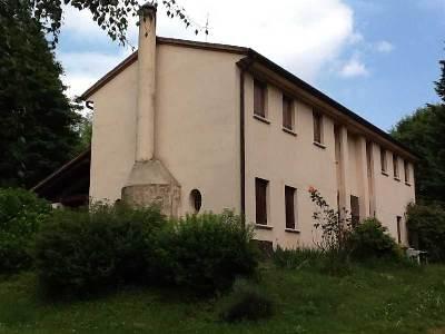 Villa in vendita a Volpago del Montello, 8 locali, prezzo € 480.000   CambioCasa.it