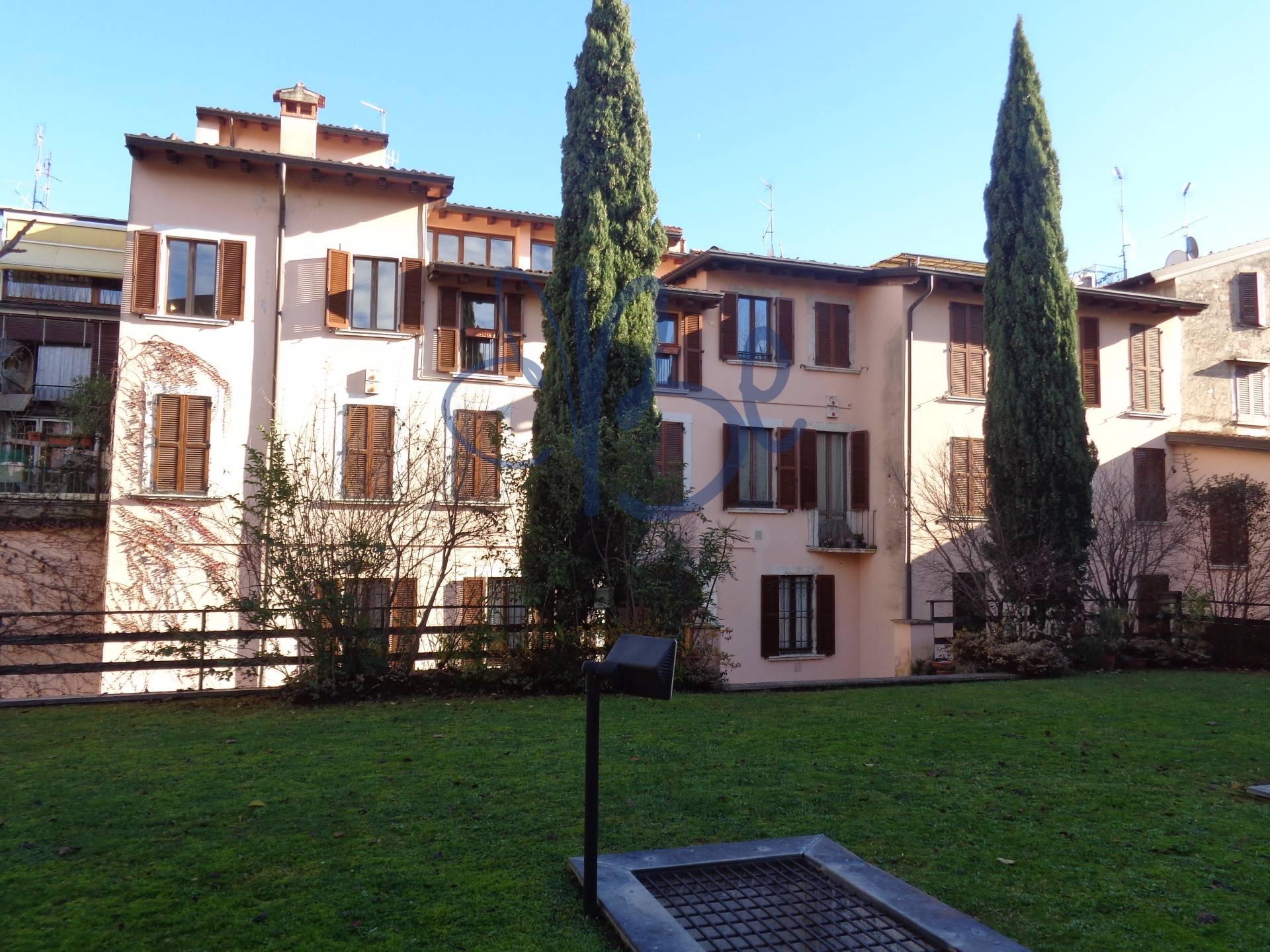 Appartamento in affitto a Salò, 6 locali, zona Località: Salò-Centro, prezzo € 1.300 | Cambio Casa.it