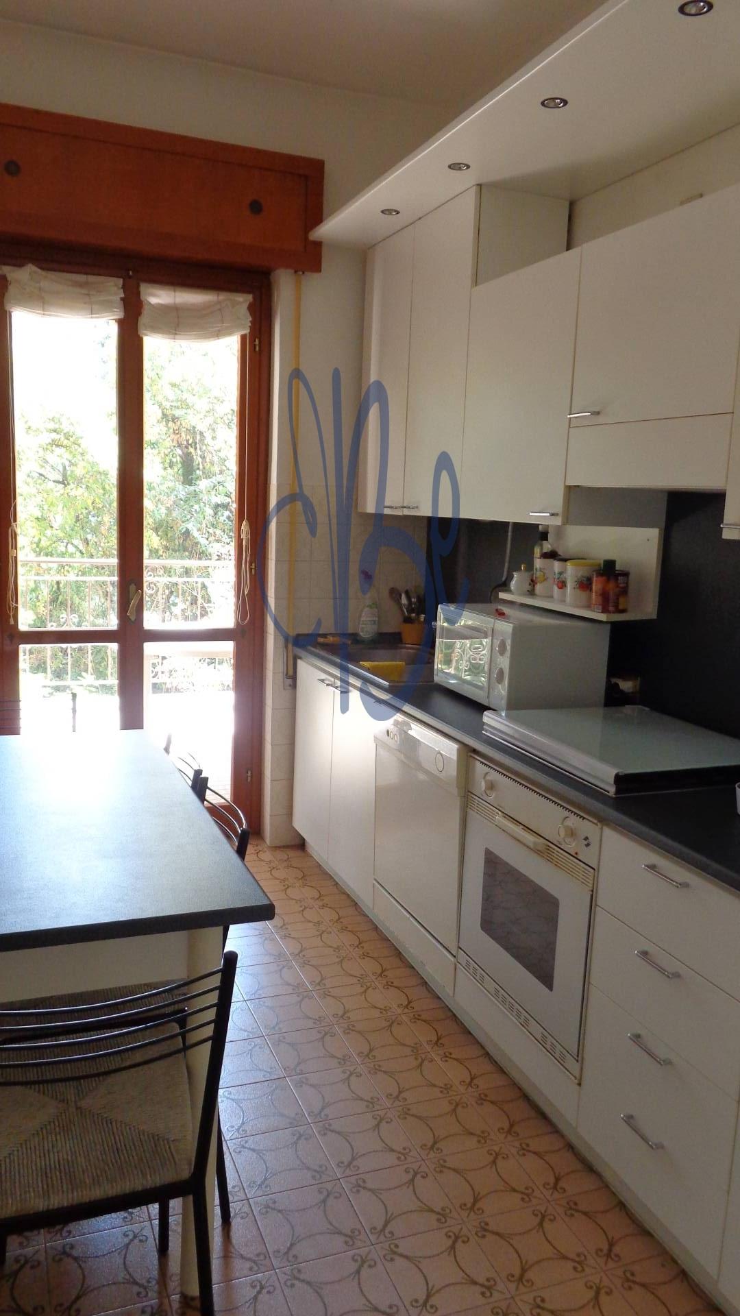 Bilocale Gardone Riviera Via Zanardelli 4