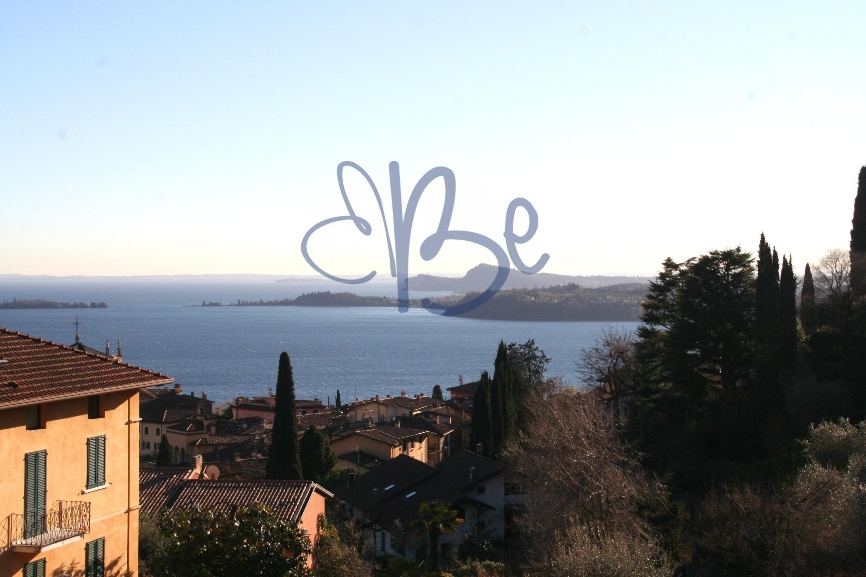 Appartamento in vendita a Gardone Riviera, 4 locali, zona Località: GardoneSopra, prezzo € 335.000 | Cambio Casa.it