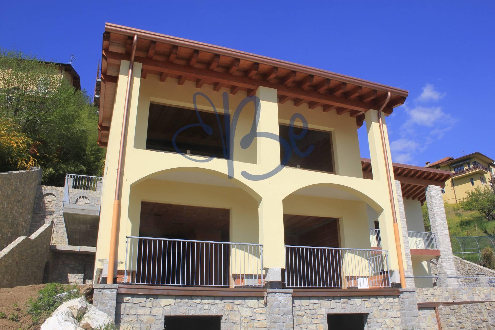 Appartamento in vendita a Roè Volciano, 4 locali, prezzo € 260.000 | Cambio Casa.it