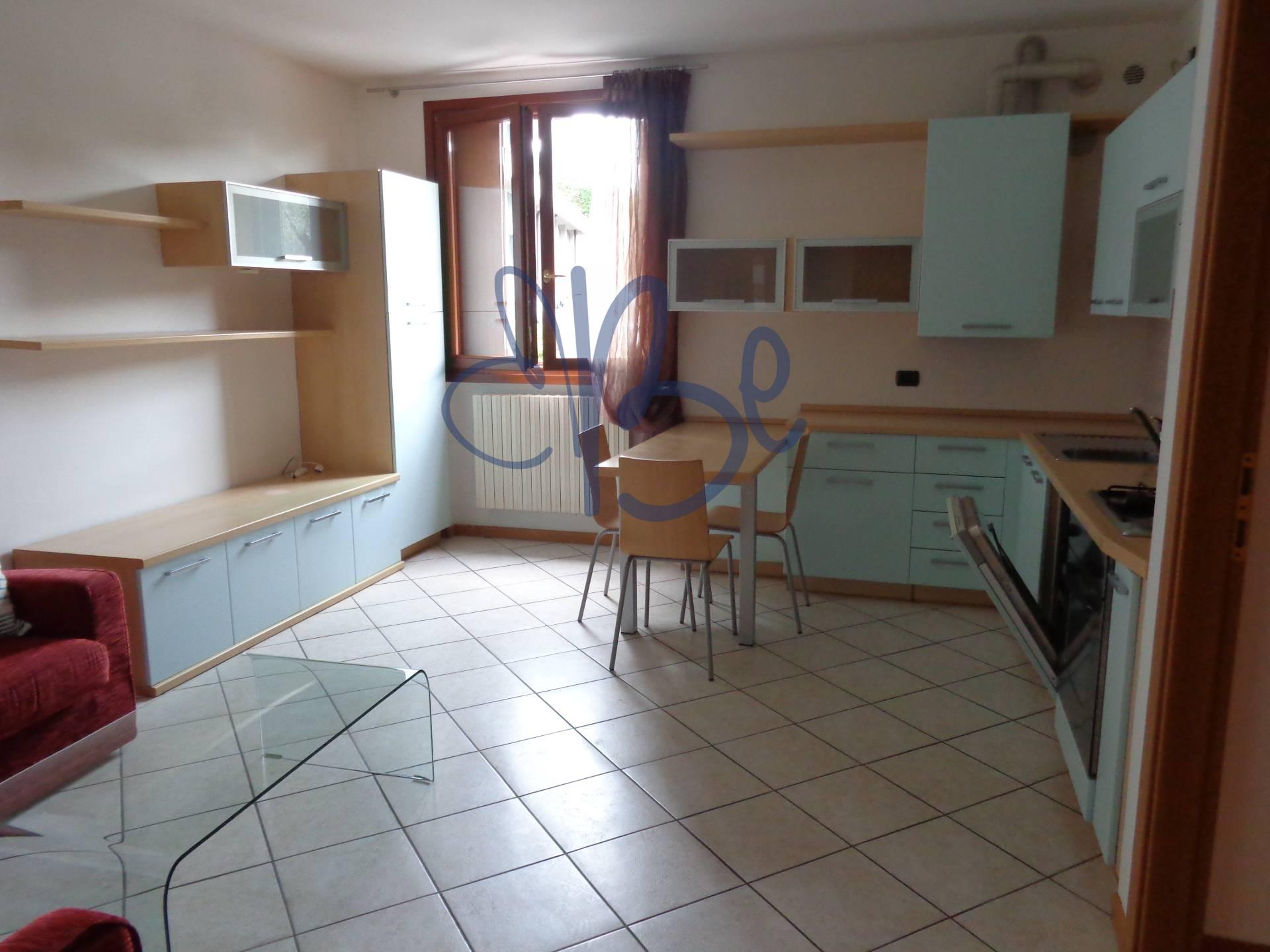 Appartamento in vendita a Salò, 2 locali, prezzo € 165.000 | Cambio Casa.it