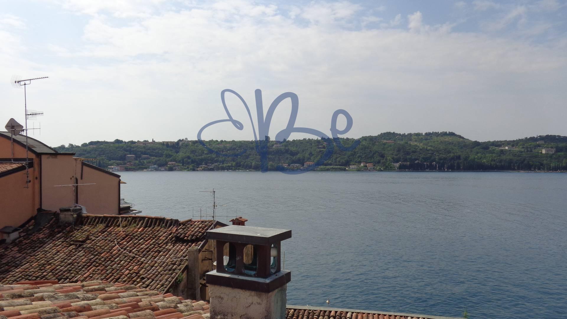 Attico / Mansarda in affitto a Salò, 4 locali, zona Località: Salò-Centro, prezzo € 690 | Cambio Casa.it