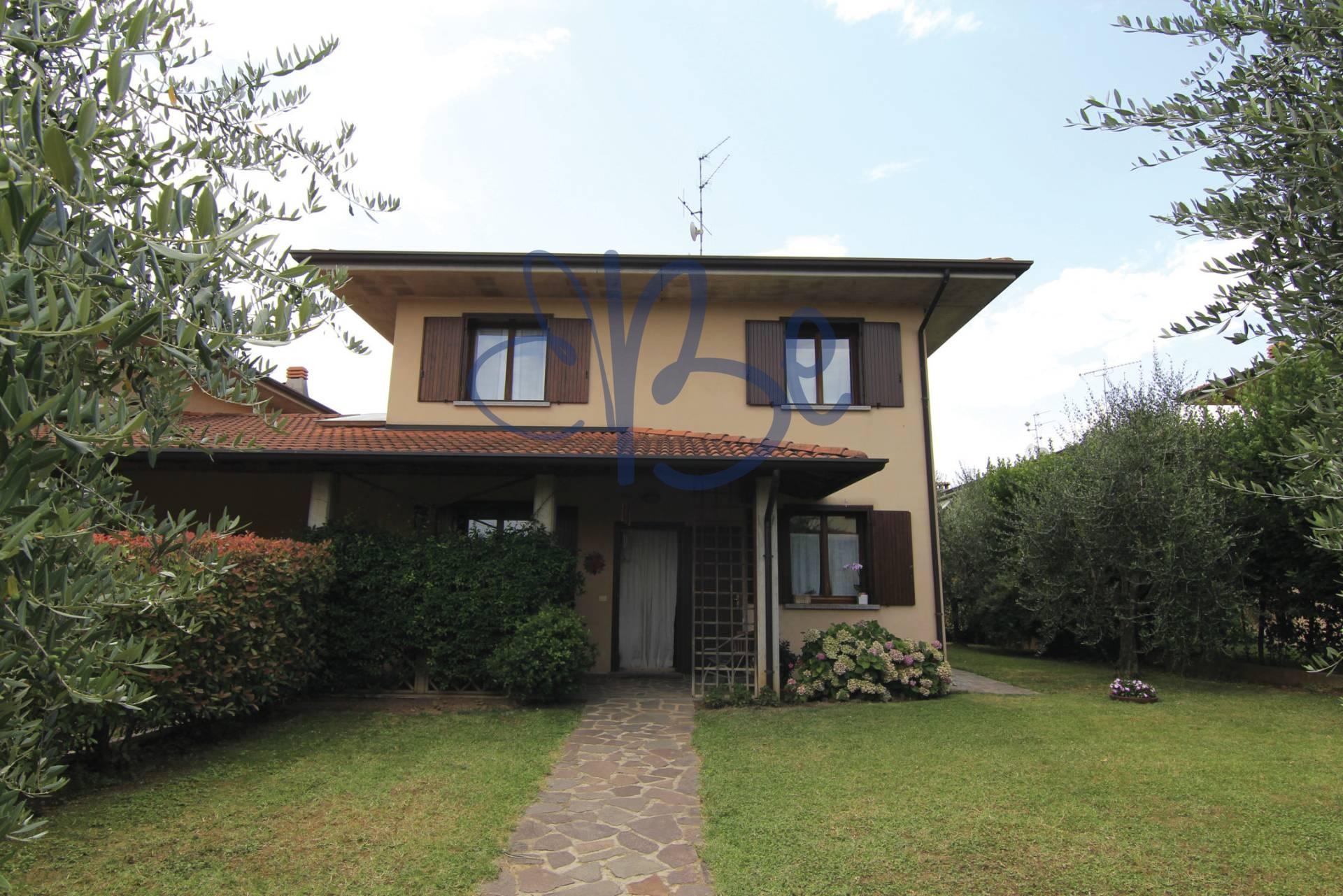 Villa Bifamiliare in Vendita a San Felice del Benaco