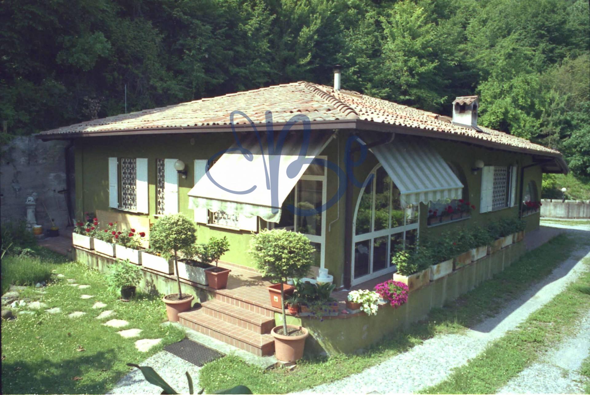 Villa in Vendita a Roè Volciano