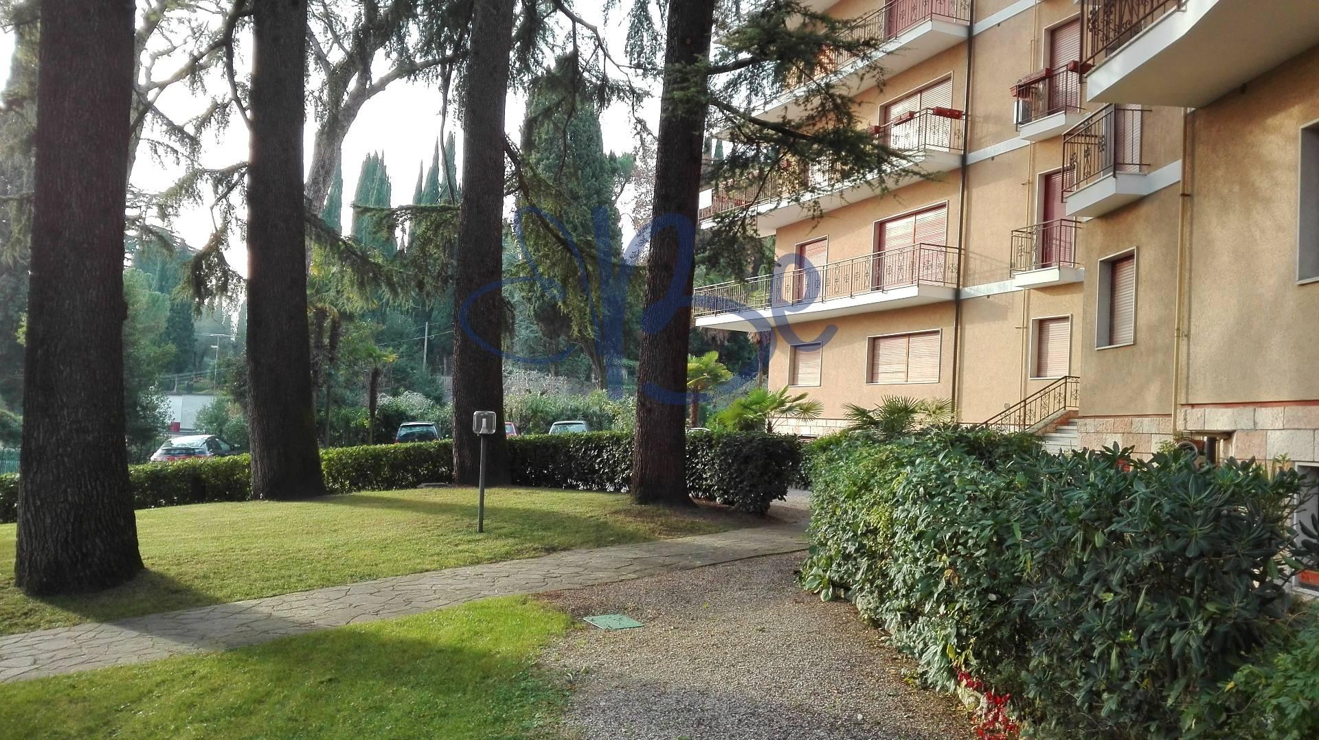 Bilocale Gardone Riviera Via Zanardelli 9