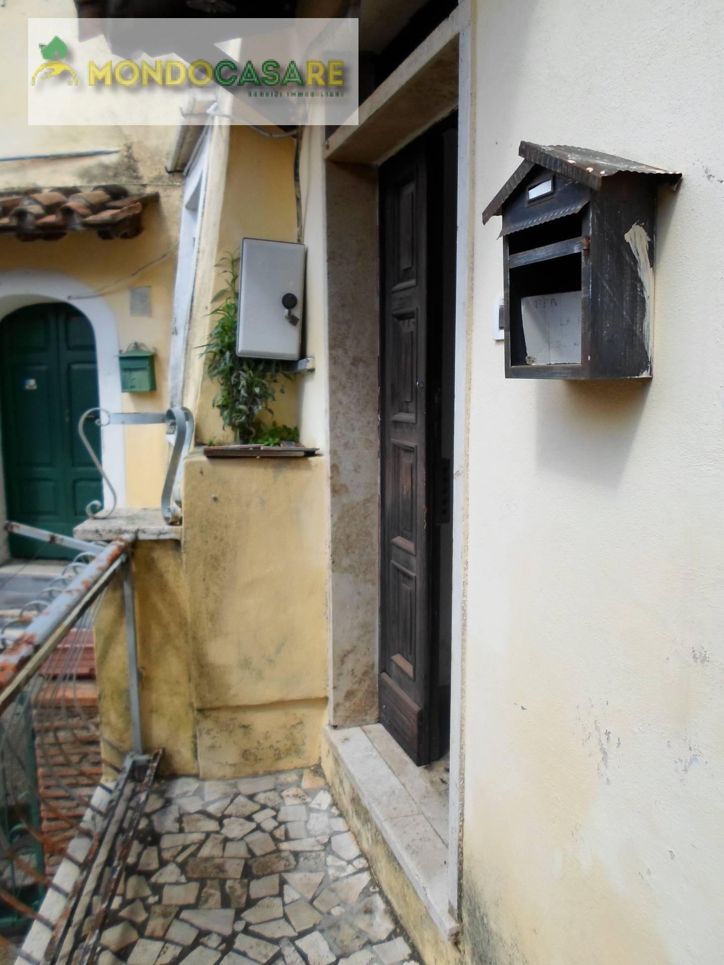 Appartamento in vendita a Palombara Sabina, 3 locali, prezzo € 31.000 | Cambio Casa.it