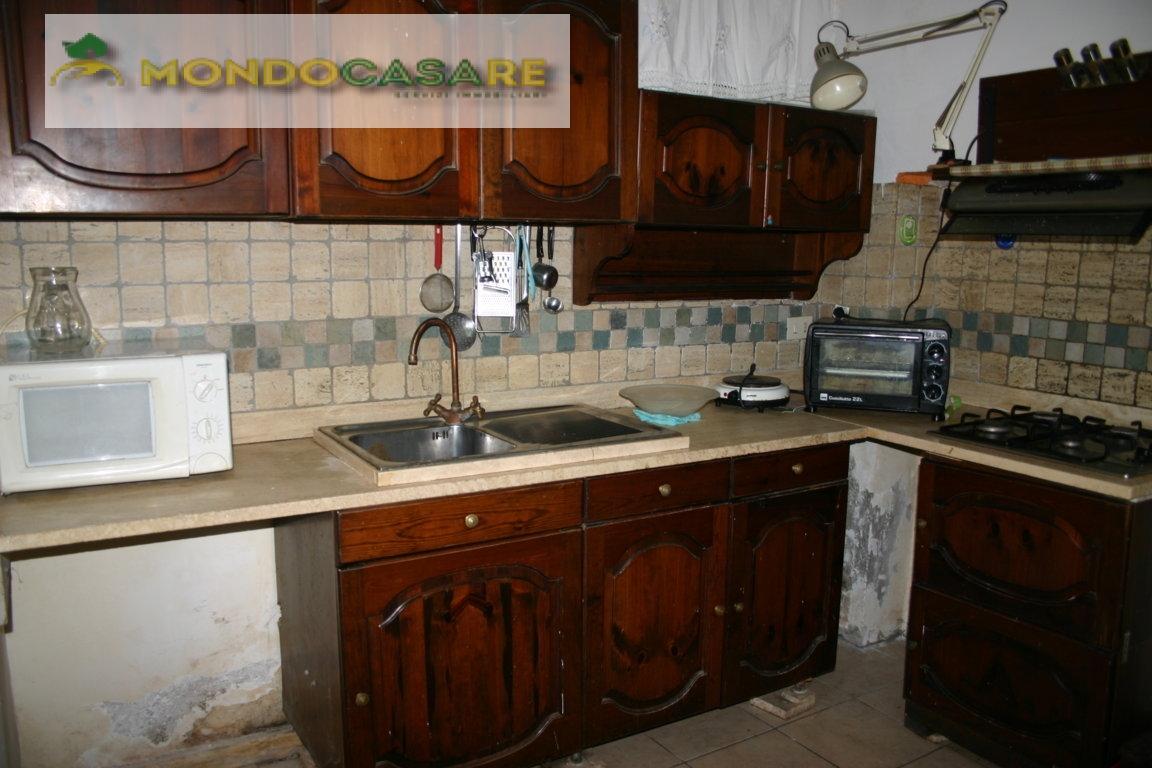 Appartamento in vendita a Palombara Sabina, 4 locali, zona Località: ZonaAPalombaraSabina, prezzo € 99.000 | Cambio Casa.it