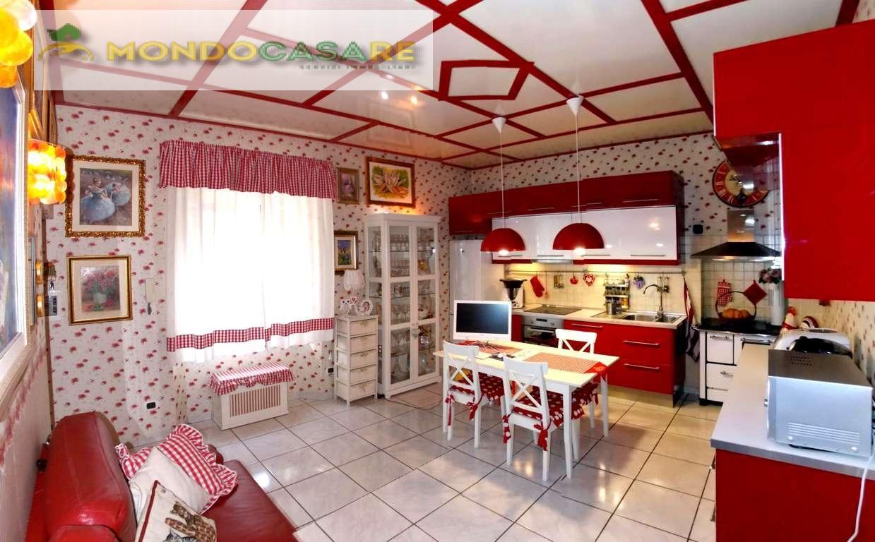Appartamento in vendita a Palombara Sabina, 2 locali, prezzo € 75.000 | Cambio Casa.it