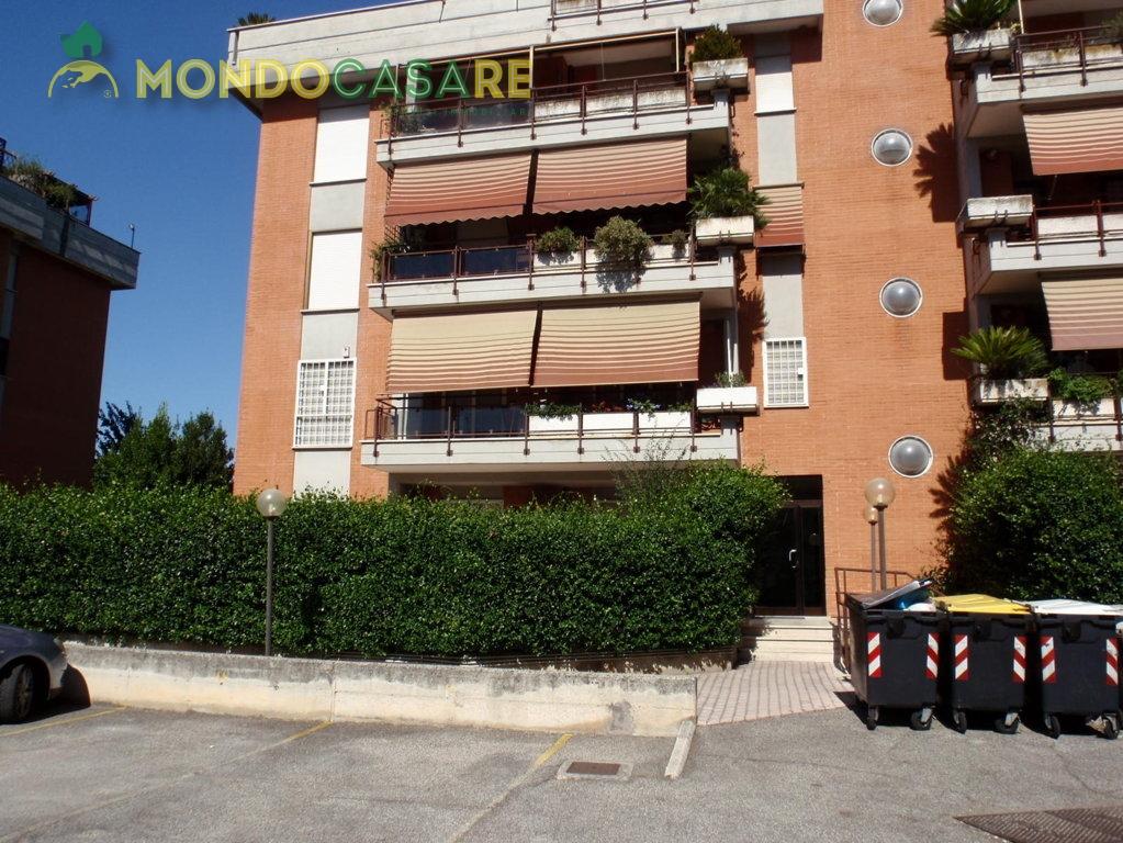 Bilocale Monterotondo Via Val Di Fassa 4