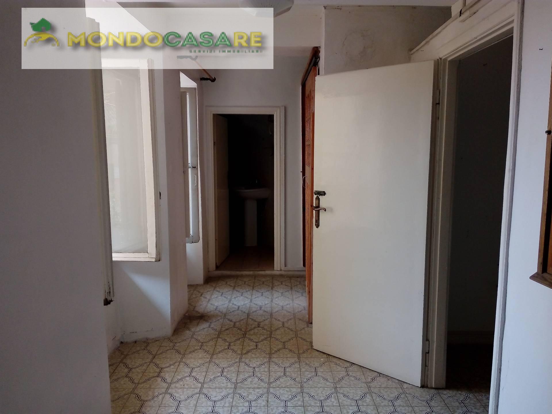 Appartamento in vendita a Palombara Sabina, 3 locali, prezzo € 48.000 | Cambio Casa.it