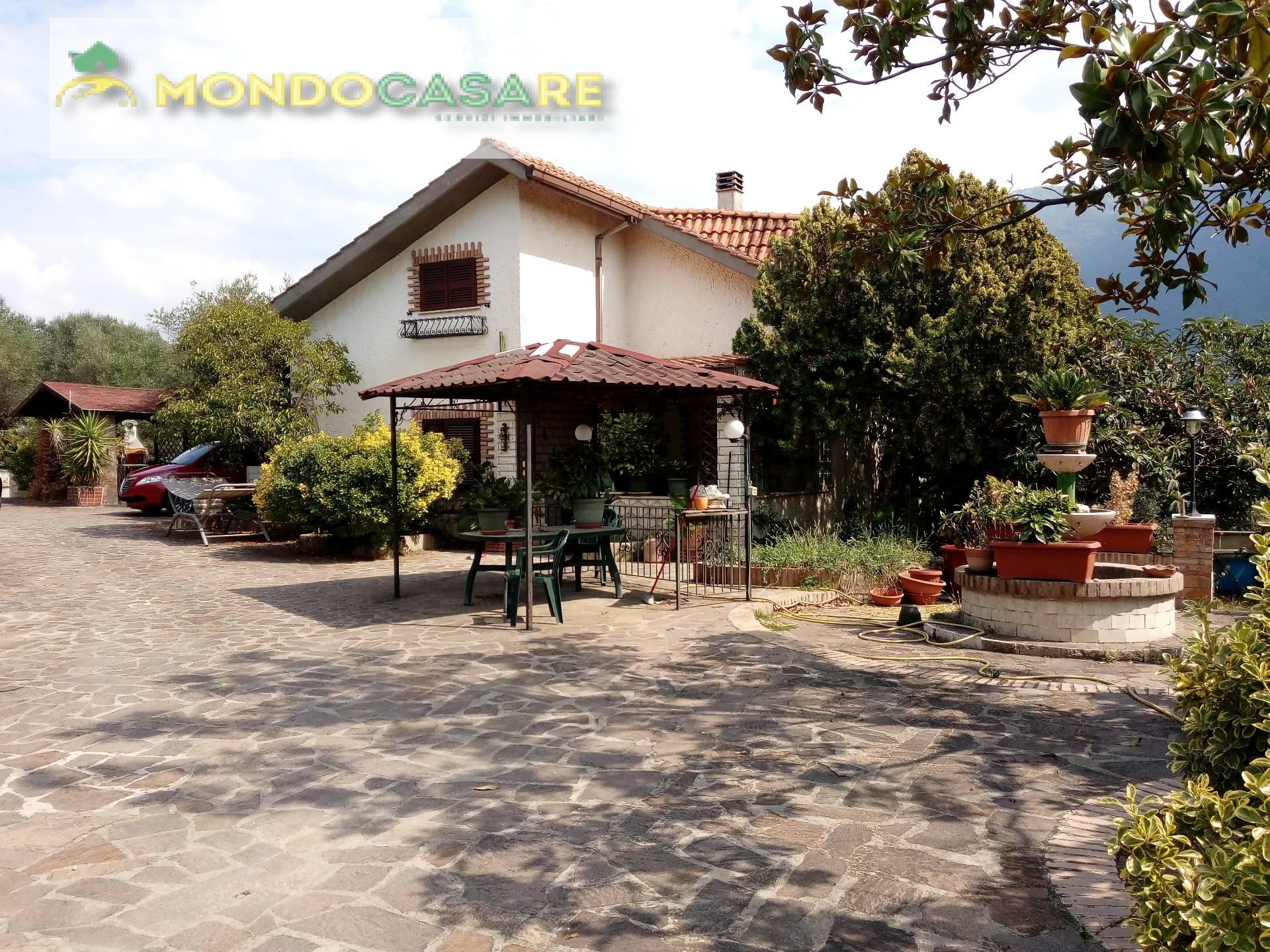 Villa in vendita a Palombara Sabina, 5 locali, prezzo € 187.000 | Cambio Casa.it
