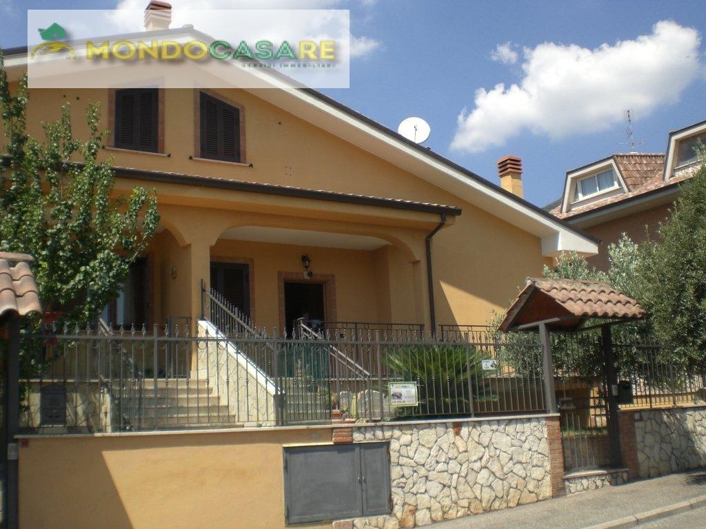 Villa in vendita a Marcellina, 7 locali, prezzo € 209.000 | Cambio Casa.it