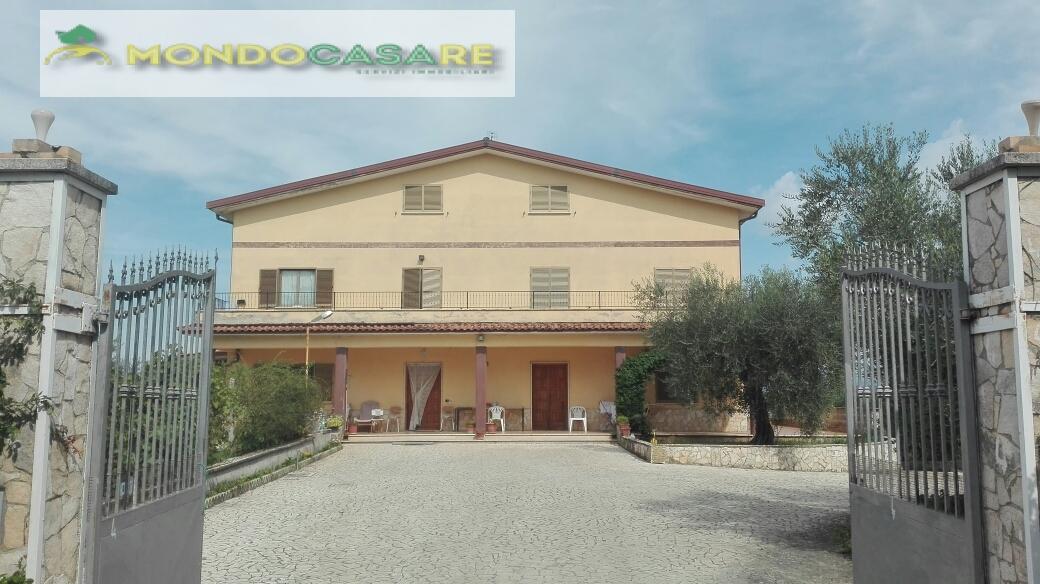 Villa Bifamiliare in Vendita a Montelibretti