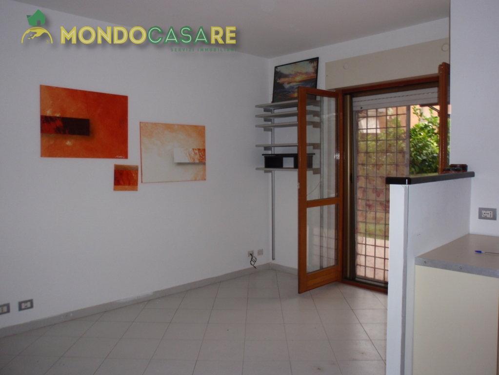 Bilocale Monterotondo Via Val Di Fassa 8