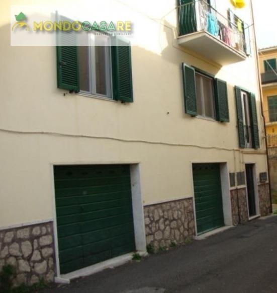 Appartamento in vendita a Palombara Sabina, 3 locali, prezzo € 119.000 | Cambio Casa.it