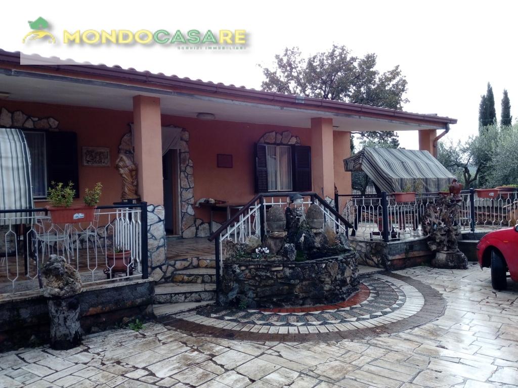 Villa in vendita a Palombara Sabina, 4 locali, prezzo € 199.000 | Cambio Casa.it
