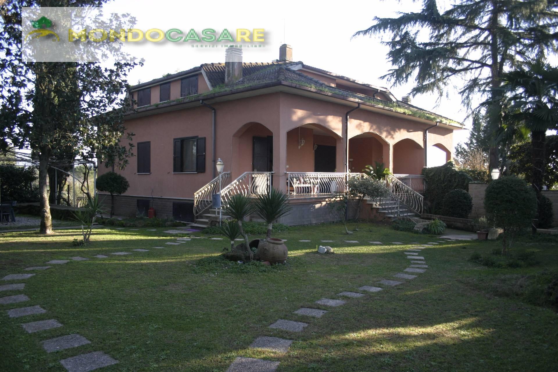 Villa Bifamiliare in vendita a Palombara Sabina, 4 locali, prezzo € 199.000 | CambioCasa.it