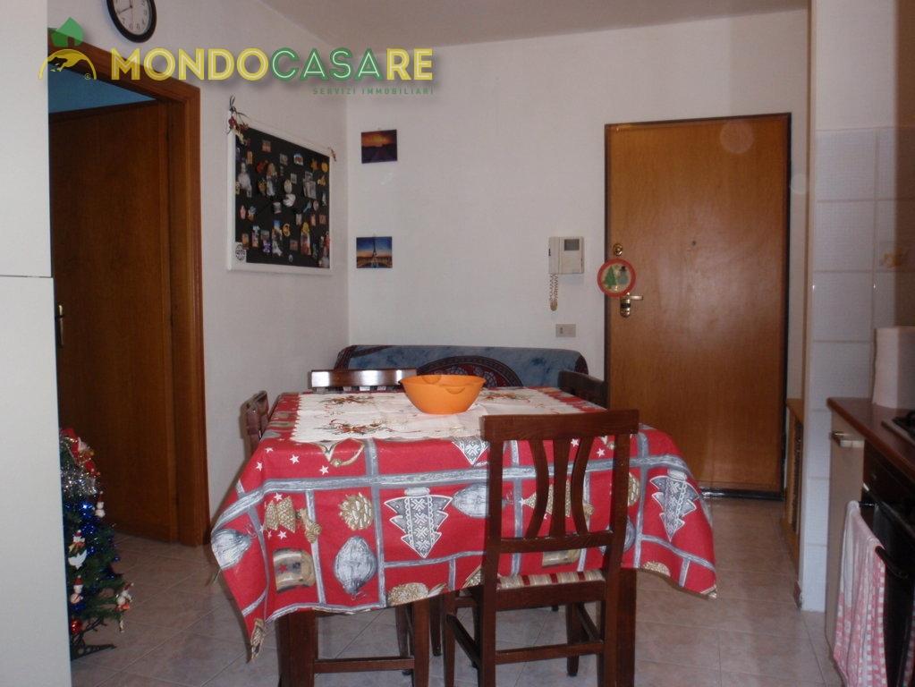 Appartamento in affitto a Monterotondo, 2 locali, zona Località: MonterotondoScalo, prezzo € 600   Cambio Casa.it