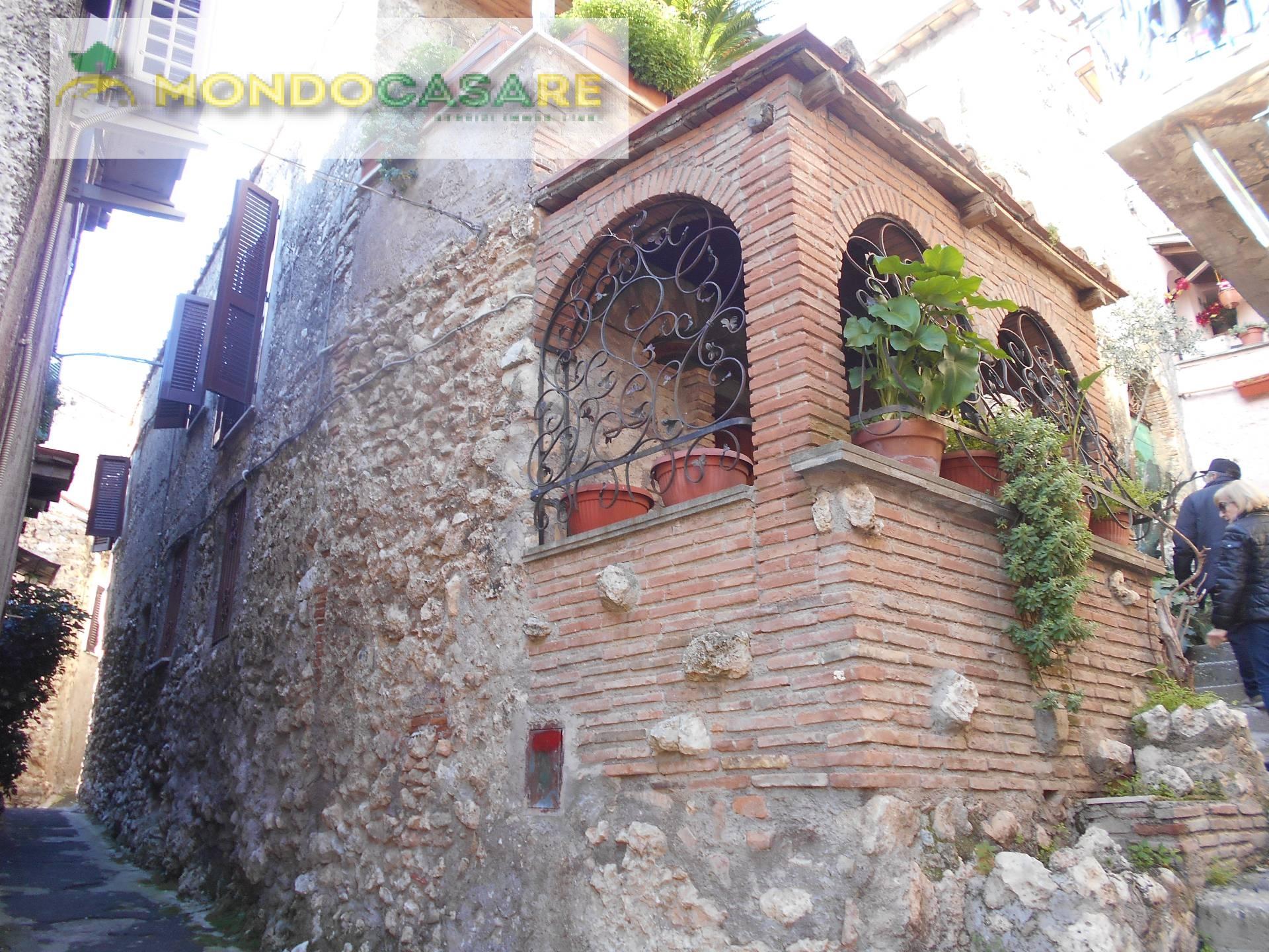 Appartamento in vendita a Palombara Sabina, 3 locali, prezzo € 63.000 | CambioCasa.it