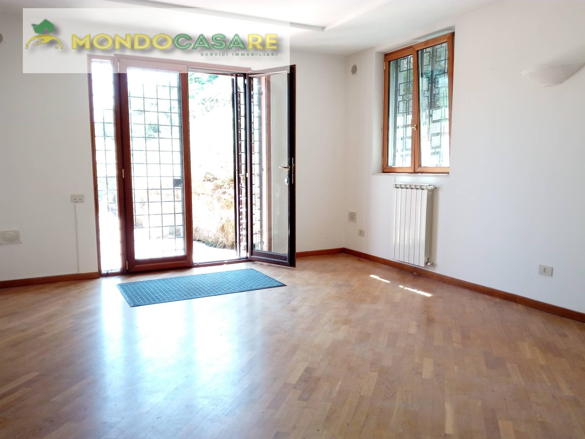 Villa in affitto a Palombara Sabina, 3 locali, prezzo € 580 | CambioCasa.it