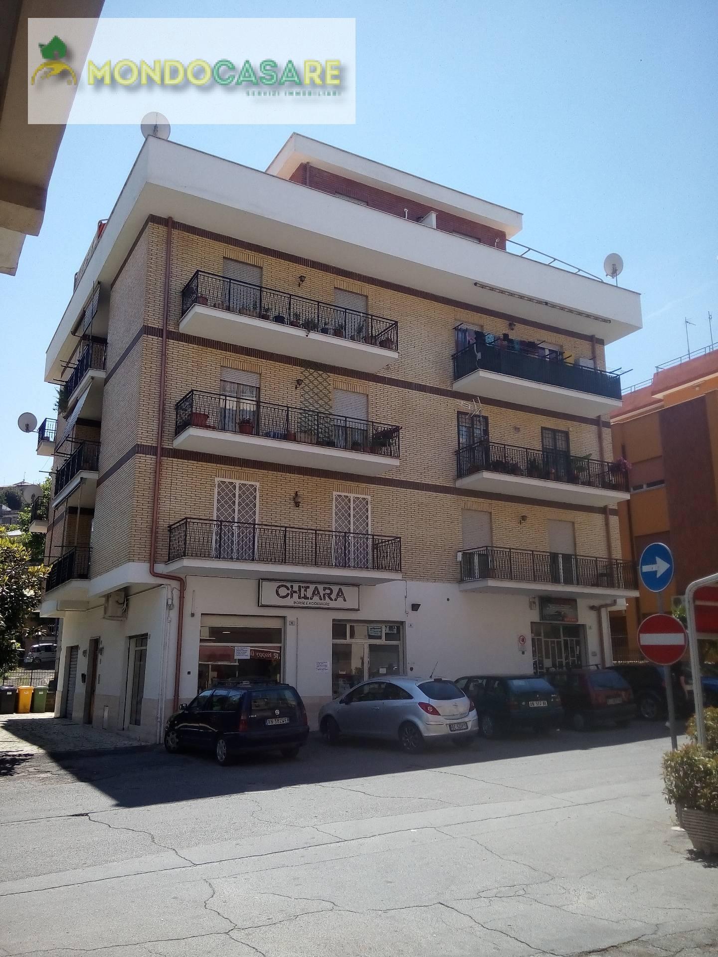 Appartamento in vendita a Palombara Sabina, 3 locali, prezzo € 99.000 | CambioCasa.it