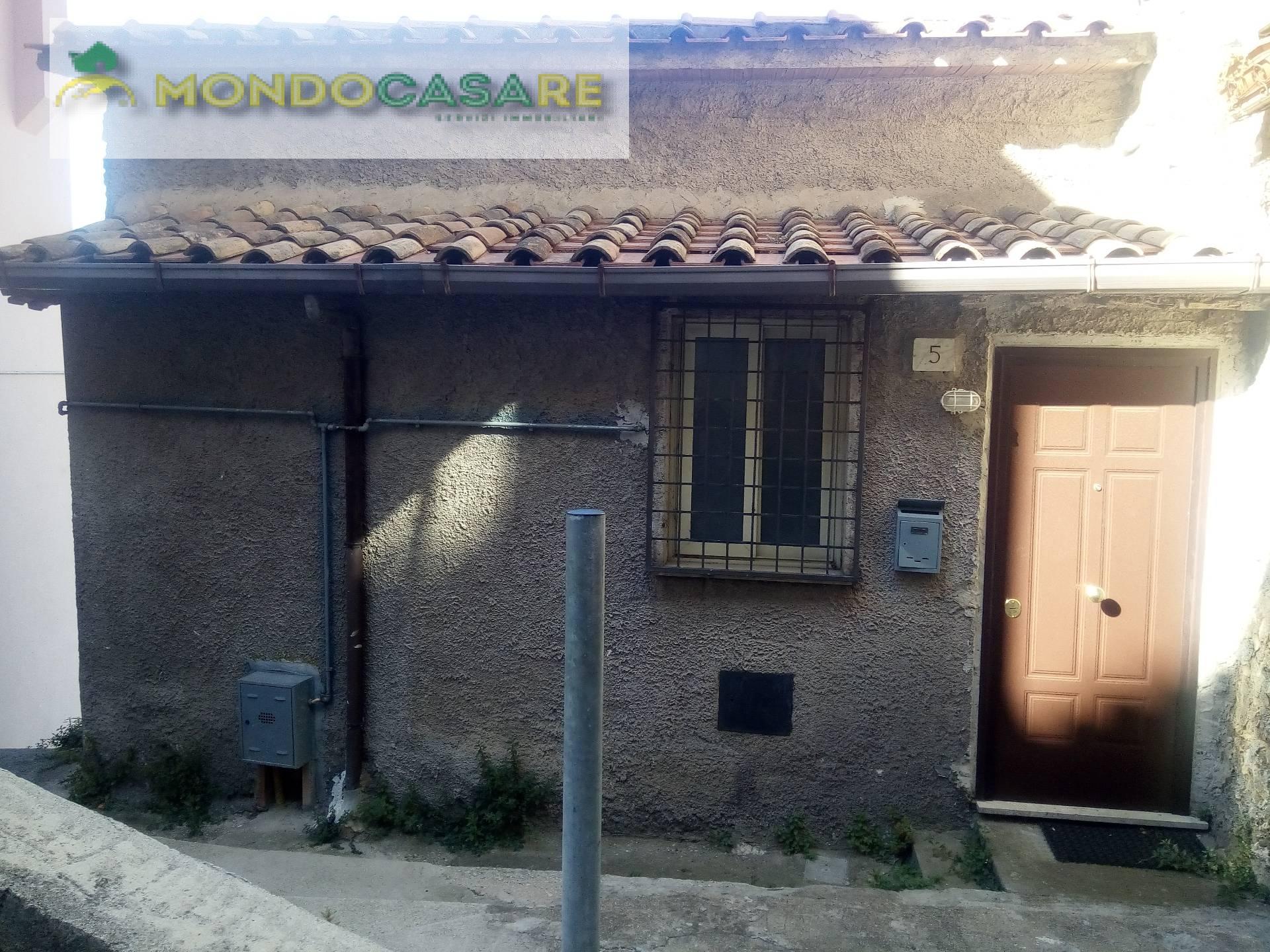 Appartamento in vendita a Moricone, 2 locali, prezzo € 59.000 | CambioCasa.it