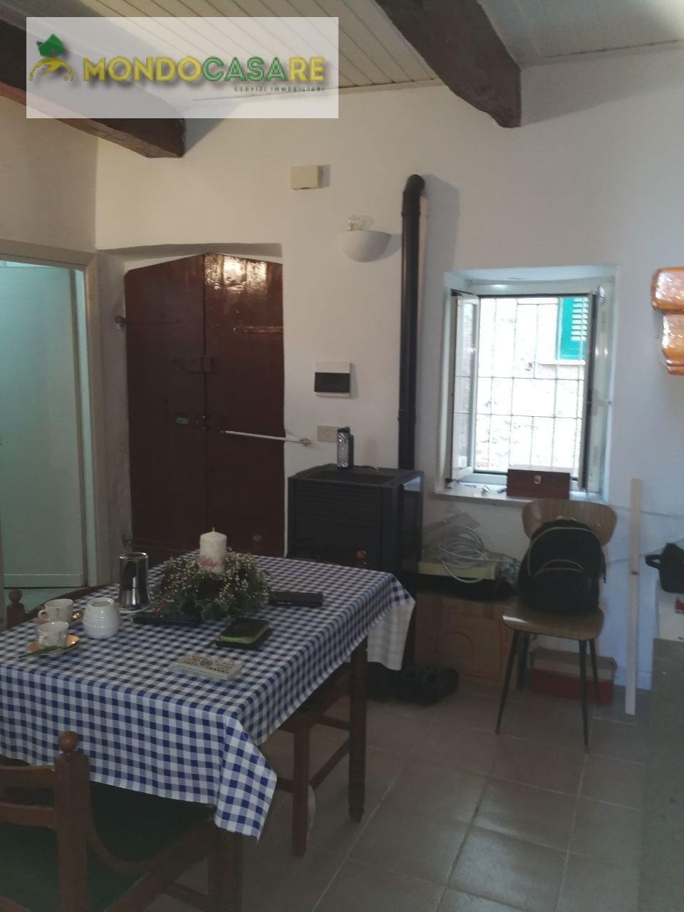 Appartamento in vendita a Palombara Sabina, 2 locali, prezzo € 29.000   CambioCasa.it