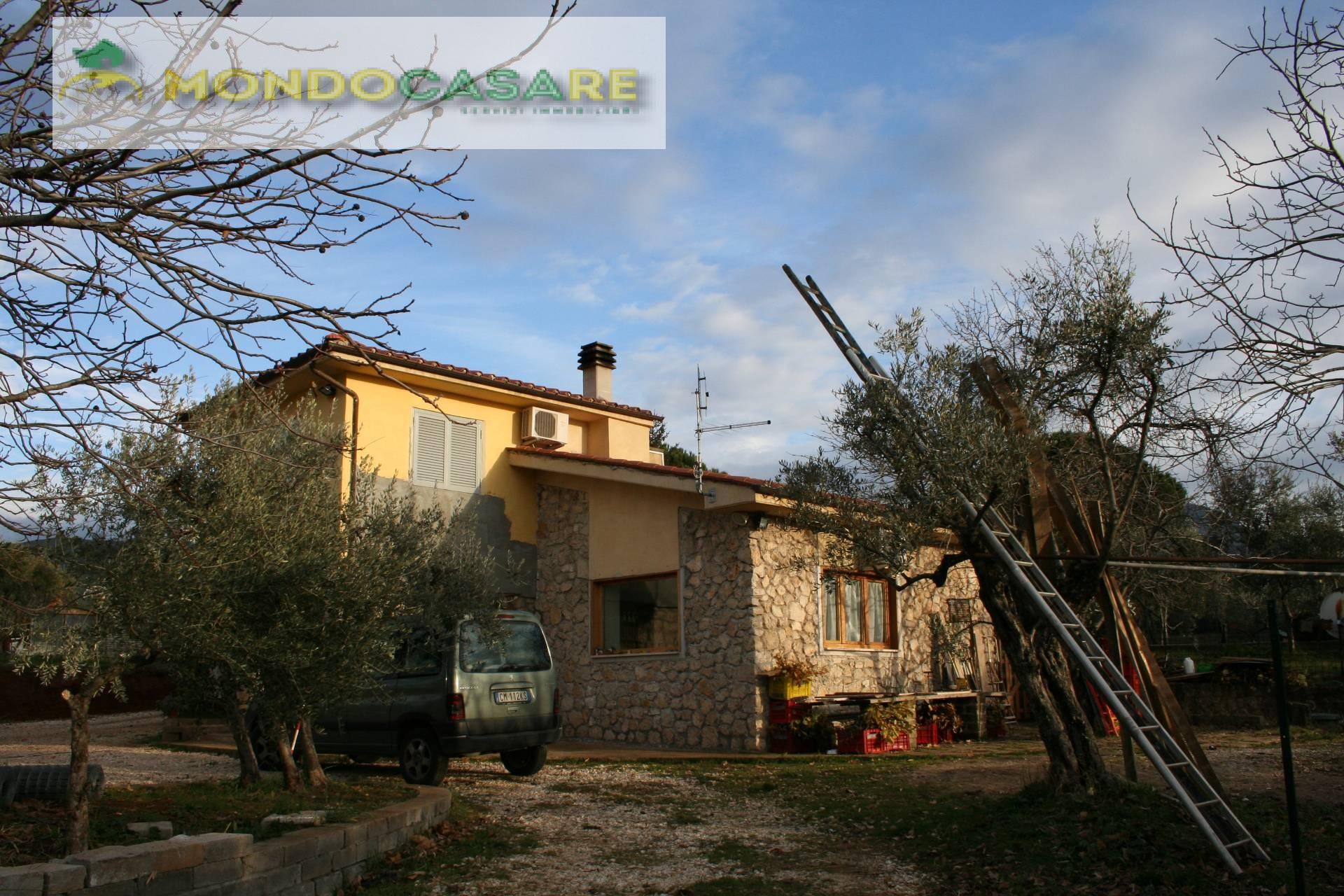 Villa in vendita a Palombara Sabina, 3 locali, prezzo € 169.000   CambioCasa.it